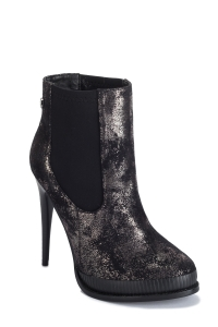 Cracked Leather Ankle Boots